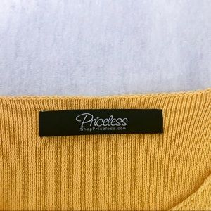 Forever 21 Tops - yellow long sleeve crop top